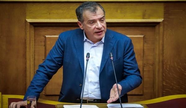 Βουλή: Live η μάχη για την ψήφο εμπιστοσύνης - Θεοδωράκης: Δεν δίνουμε ψήφο εμπιστοσύνης